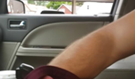 Vollbusige brünette gratis sexvideos anschauen Autofahrt