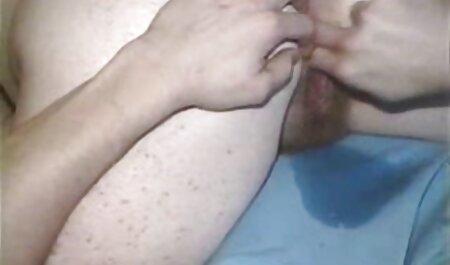 Blondes Mädchen kostenlose fickfilme anschauen masturbiert mit ihrem lila Dildo zu Hause