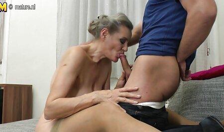 Amateurblondine mit Tätowierung gratis pornos anschauen beim Sex