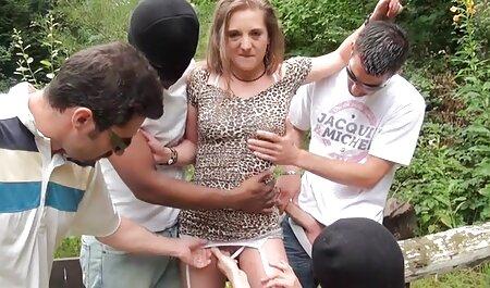 Herrin Silvia trainiert Sklavin, pornofilme gratis schauen Schwanz zu lutschen und Sperma zu essen