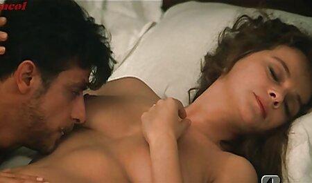 Reife Hure zieht sich aus, um ihren sexfilme anschauen schönen Arsch zu zeigen