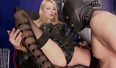Das vollbusige blonde Küken wird kostenlose pornos sofort ansehen anal