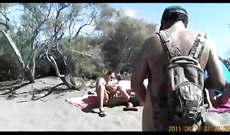 Die freie pornos ansehen vollbusige Milf benutzt Sexspielzeug in einer durchbohrten feuchten Muschi