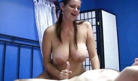 Twistys - In Dessous gekleidete Brünette zeigt ihr sex filme online sehen Höschen