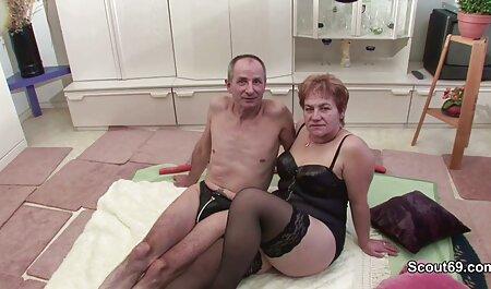 Brünette Cooch schlägt kostenlos fickfilme gucken großen Schwanz