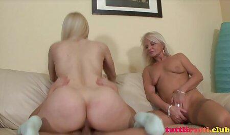 Die vollbusige Amateurin Holly spielte mit sexfilme kostenlos zum anschauen ihrer Muschi